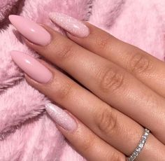 Pink Dream ManiQ Pink 106 with SlickPour Flash N Burn Trend Trendy Nails Makeup Beauty Party Style Trendy Nails, Cute Nails, Engagement Nails, Split Nails, Ingrown Toe Nail, Cream Nails, Mermaid Nails, Strong Nails, Nails