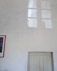 #fenetre #reflet #ancien #blanc #window #reflection #old #white by seb.loubatie