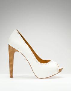 Zapato peep toe plataforma básico