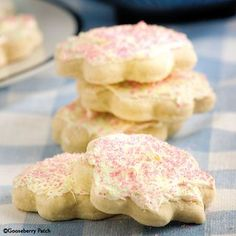 10 All-Time Favorite Cookie Recipes: Buttermilk Sugar Cookies - Gooseberry Patch