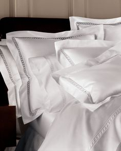 Gojee - Lace Sateen Duvet Cover by Sferra