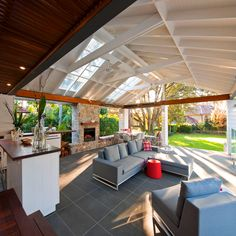 Pictures of outdoor living spaces with fireplace patio contemporary with outdoor living outdoor fireplace ceiling fan Lounge Design, Patio Design, Roof Design, Outdoor Living Areas, Outdoor Rooms, Indoor Outdoor, Outdoor Decor, Outdoor Retreat, Outdoor Life