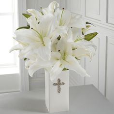 FTD Florist Flower and Gift Delivery The FTD® Faithful Blessings™ Bouquet Castro Valley Florist Castro Valley, CA, 94546 Communion Centerpieces, First Communion Decorations, Baptism Decorations, Communion Favors, Communion Cakes, Communion Dresses, Baptism Party, Boy Baptism, Baptism Ideas