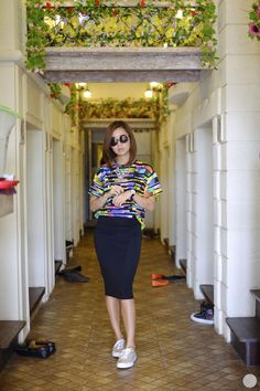 Loose on loose, pencil skirt, sneakers