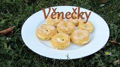 Jednoduchý návod na věnečky, které se povedou! Eclairs, Sweet Recipes, Pancakes, Apple, Fruit, Breakfast, Youtube, Food, Apple Fruit
