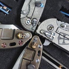 Take a long time to collect these filler tab. • #hindererknives #hindererherd #hindererxm18 #crusader #fillertab #steelflame #steelflamejewelry #knifeedc #edcthailand #edcgear #pocketdump #edc #knifeaddict #knifelife #knifenut #knifecommunity #knifecollector #knifephoto #knifeobsession #knifefanatics #handdump #everydaycarry