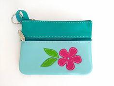 Monedero y llavero de cuero en tonos azules con dos cremalleras    Blue leather wallet and key chain with two zips.