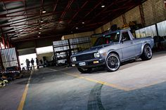 1400 bakkie Mini Trucks, Old Trucks, Nissan Sunny, Custom Cars, Cool Cars, African Fashion, Garage, Street, Board