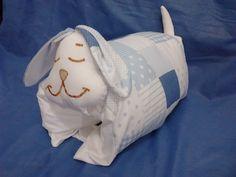 almofadinha para amamentação de cachorrinho azul