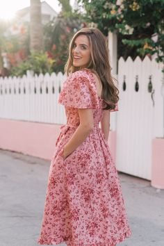 Gal Meets Glam Collection Marianna Floral Print Sweetheart Neck Midi Dress - All About Summer Outfits, Cute Outfits, Summer Dresses, Modest Dresses, Casual Dresses, Modest Clothing, The Dress, Dress Skirt, Modest Fashion