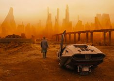 The trailer for Blade Runner 2049 was released on Monday. It features Harrison Ford confronting a bloodied Ryan Gosling with a gun in a dystopian future. Ryan Gosling, Rick Deckard, Harrison Ford, New Trailers, Movie Trailers, Trailer 2, Blade Runner 2049 Soundtrack, Sci Fi Movies, Movie Tv