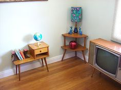 RETRO 1950S 1960S CORNER COFFEE TABLE