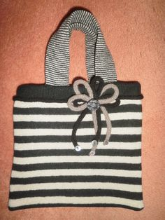 Recycled jumper knitted bag & french knitting trim