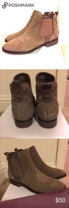 Steve Madden Galatea Ankle Booties *NWT* Light brown nubuck ankle booties. Quilted pattern on the back/heel. Easily stretches to slide your feet in. Super cute with shorts, dresses, boyfriend and skinny jeans. Make an offer! Sorry for trades Steve Madden Shoes Ankle Boots & Booties