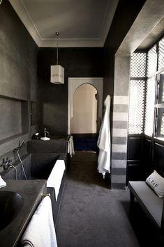 Riad First Marrakech tadelakt black Moroccan bathroom