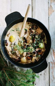 Creamy Vegetarian Christmas Stew with Red Wine and Mushrooms