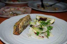 De nombreuses personnes n'apprécie pas les sardines, non pas à cause du goût mais plutôt à cause de l'odeur… Mais aussi pour le temps de préparation, vidage et nettoyage de ces petits poissons. Les farcir permet de les apprécier autrement, nous vous présentons également une méthode assez simple pour les vider correctement ! La recette …