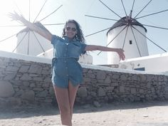 Viajar sozinha pela Europa_Santorini_Viajando bem e barato pela Europa