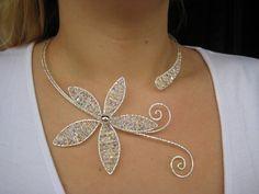Wire necklace and swarovski beads