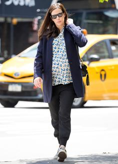 Pregnant Liv Tyler Transforms Herself with Two Very Different Maternity Outfits | InStyle.com