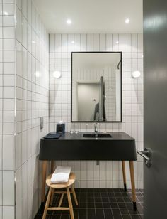 Tile pattern Ace Hotel London / Universal Design Studio