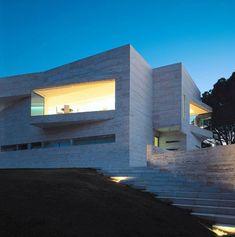 Spanish House - Courtyard Home Design