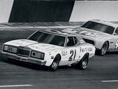 David Pearson in the Wood Brothers Mercury leading the King