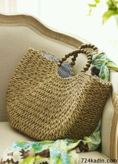 Seagrass Bag - Beach Bag, Tote, Wood-bead Handles, Saving this for the shape Bag Crochet, Crochet Handbags, Bowling Bags, Beach Tote Bags, Basket Bag, Summer Bags, Soft Surroundings, Handmade Bags, Diy Fashion