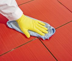 Cleaning tiles >> What is the Best Way to Clean Tiles in the Bathroom? Is it time to clean the tiles in your shower or bath? Are you having problems cleaning the grout? Read on for three easy ways to clean your tiles and grout. Cleaning Porcelain Tile, Cleaning Bathroom Tiles, Porcelain Tiles, Cleaning Gloves, Cleaning Day, Cream Carpet Bedroom, Yellow Gloves, Red Tiles, Tile Grout