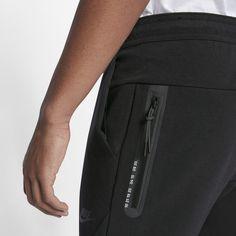 Nike Sportswear Tech Men's Trousers - Black Source by fxxqxwxx Nike Sportswear, Fashion Pants, Mens Fashion, Fashion Trends, Track Pants Mens, Tech Pack, Mens Activewear, Sport Wear, Apparel Design