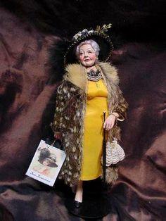 Fancy in Fur (Marcia Backstrom) Dollhouse Dolls, Miniature Dolls, Dollhouse Miniatures, Big And Beautiful, Beautiful Dolls, Ooak Dolls, Art Dolls, Modern Artists, Agatha Christie