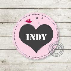 Geboortekaartje Indy www.hetuilennestje.nl Steigerhout, hartje, vogel, stempel.