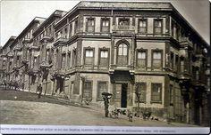 Beşiktaş Akaretler'de , Osmanlı Saray Ressamı olan Fausto Zonaro'nun evi ve atölyesi olan bina.