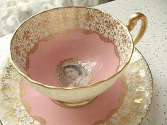 Antique Aynsley tea cup set, vintage 1959 Queen Elizabeth tea set, pink English tea cup and saucer, gold fleur de lis bone china tea cup