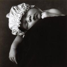 "3 Week Old Baby Sleeping on a Limb 11/"" x 14/"" Anne Geddes SLEEPING LION"