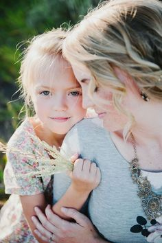 Mother daughter poses mother daughter photography, mother daughter poses и Mom Daughter Photography, Mommy Daughter Pictures, Mother Daughter Pictures, Children Photography, Family Photography, Photography Ideas, Sweets Photography, Mother Daughters, Daughter Quotes