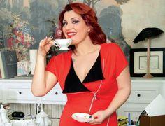Κατερίνα Ζαρίφη: Χάσε 20 κιλά σε 8 μήνες με την σούπερ δίαιτα της! - ΔΙΑΙΤΕΣ ΤΩΝ ΕΠΩΝΥΜΩΝ - Youweekly Short Sleeve Dresses, Dresses With Sleeves, Crop Tops, Tank Tops, Camisole Top, Health Fitness, Hair Beauty, Weight Loss, Women