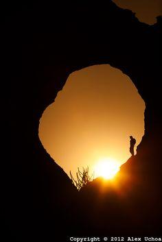 Nascer do sol na pedra furada, Baixão da Pedra Furada, Parque Nacional da Serra da Capivara, Piauí
