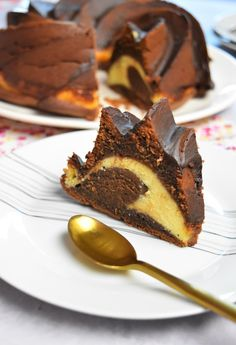 Fondant marbré au chocolat et Philadelphia - Cheesecake facile Cheesecake Brownies, French Toast, Food And Drink, Breakfast, Bolo De Chocolate, Chocolate Pasta, Milk Bar Cake, Chocolate Fondant, Cooking Recipes