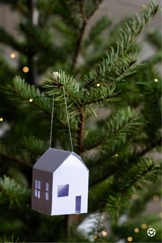 Christmas Ornament Template, Diy Christmas Ornaments, Handmade Christmas, Holiday Crafts, Christmas Decorations, Christmas Holidays, Paper Ornaments, House Ornaments, Christmas Lanterns