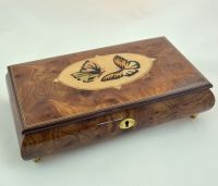 Shop Nature Themed Music jewelry Boxes including Butterfly Music Boxes, Swans, and Eagles at Amazing Music Box & Gifts Co. Our collection includes 100s of Music Boxes at affordable prices.