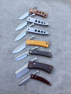 The most beautiful pictures and photographs of programs and events at michaelmorrisknives Unique Knives, Cool Knives, Knives And Tools, Knives And Swords, Diy Knife, Knife Art, Whittling Knife, Friction Folder, Knife Template