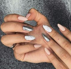 Маникюр, ногти, бежевые ногти, белые ногти, мраморный маникюр, миндаль