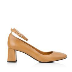 "KACHOROVSKA / fall 2016 caramel-leather-mid-heel-""duckies""-with-anckle-strap"
