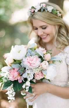 As if this bouquet wasn't beautiful enough, this DIY bride made a floral crown to match! | 11 Times DIY Bouquets Didn't Fail | Photographer: Magnolia Adams Photography ~ Use silk flowers in your DIY bouquet and floral crown.  Find everything you need at Afloral.com
