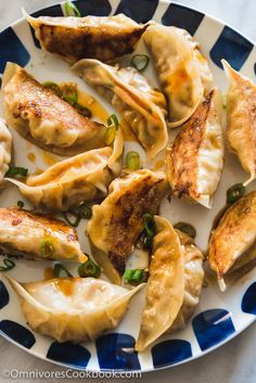 An elegant vegetarian dumpling that uses carrots, bamboo shoots, mushrooms, and eggs to create a fresh, moist, and rich filling. It will make a lovely addition to your dim sum party.