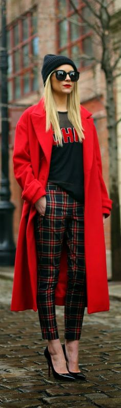 "Street style fashion / karen cox. "" Red Alantic-Pacific """