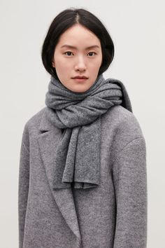 Timeless and versatile, this large rectangular scarf is made from pure cashmere with an extra-soft, fuzzy finish. Cashmere / Dry clean 175 x For a complete set, wear with its matching item. Wool Scarf, Cashmere Scarf, Holy Chic, Grey Scarf, Grey Outfit, Dressed To Kill, Scarf Styles, Her Style, Scarves