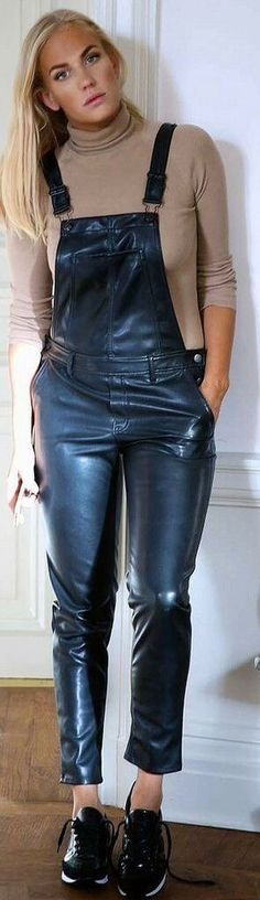 Beautiful blond in Lederlatzhose Tight Leather Pants, Leather Trousers, Trousers Women, Leather Overalls, Dungarees For Girls, Leather Catsuit, Leather Fashion, Body, Womens Fashion