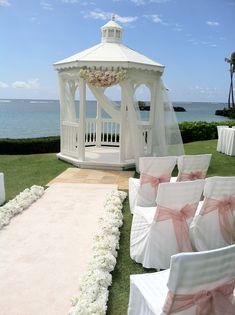 Stunning day for a wedding at The Kahala Hotel & Resort. #Hawaiianweddings #Hawaii #Weddings